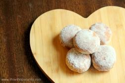 Apple & Cinnamon Doughnuts