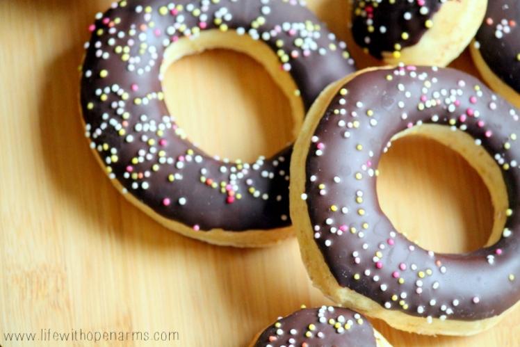 Lemon & Chocolate Doughtnuts